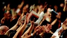'이름이 거룩히 여김을 받으시오며'라고 기도할 때마다 하나님의 거룩하심이 우리의 신앙생활 전반에 나타나는 삶을 살도록 마음에 깊이 묵상해야 한다.