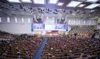사랑의교회가 과거 예배당 좌석 수의 30% 이내 인원에서 대면예배를 드리던 모습.