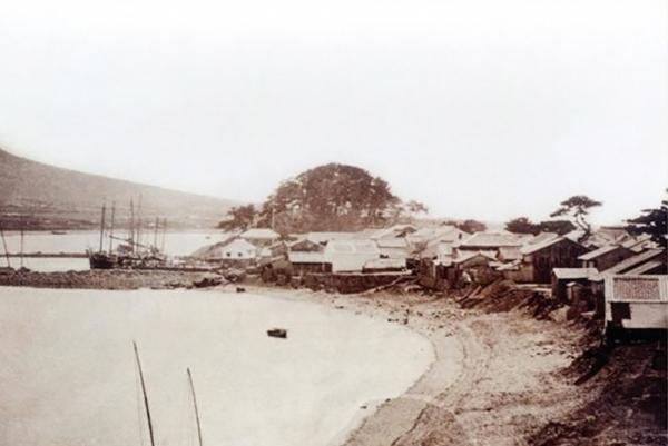 1885년 부산해변 모습