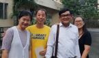 백영모 선교사(노란색 티셔츠)와 사모 배순영 선교사(맨 왼쪽)