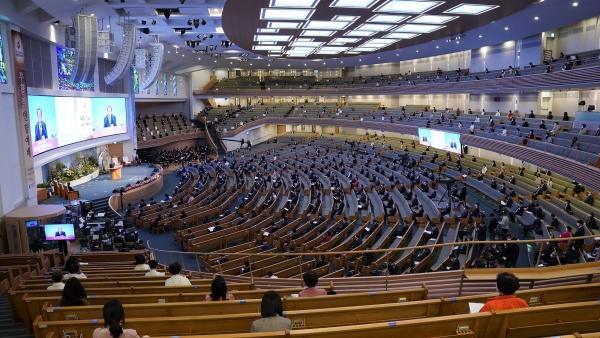 '2021 한국교회 부활절 연합예배'가 부활절인 4일 오후 서울 사랑의교회에서 진행되고 있다.