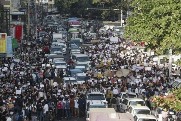 미얀마 시위