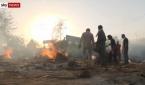 인도에서 코로나로 사망한 시신을 화장하고 있다.