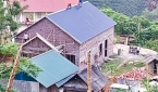 완성 단계에서 베트남 당국의 건축 중단 명령을 받은 교회.