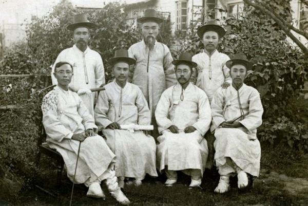 1907년 평양신학교 제1회 졸업생들