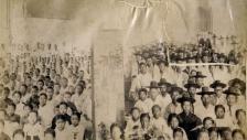 정동교회에서 예배드리는 성도들